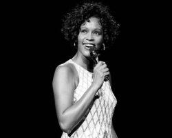 Whitney Houston movie muito post