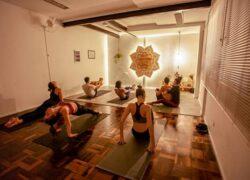 yoga em curitiba dalmeet kaur muito post